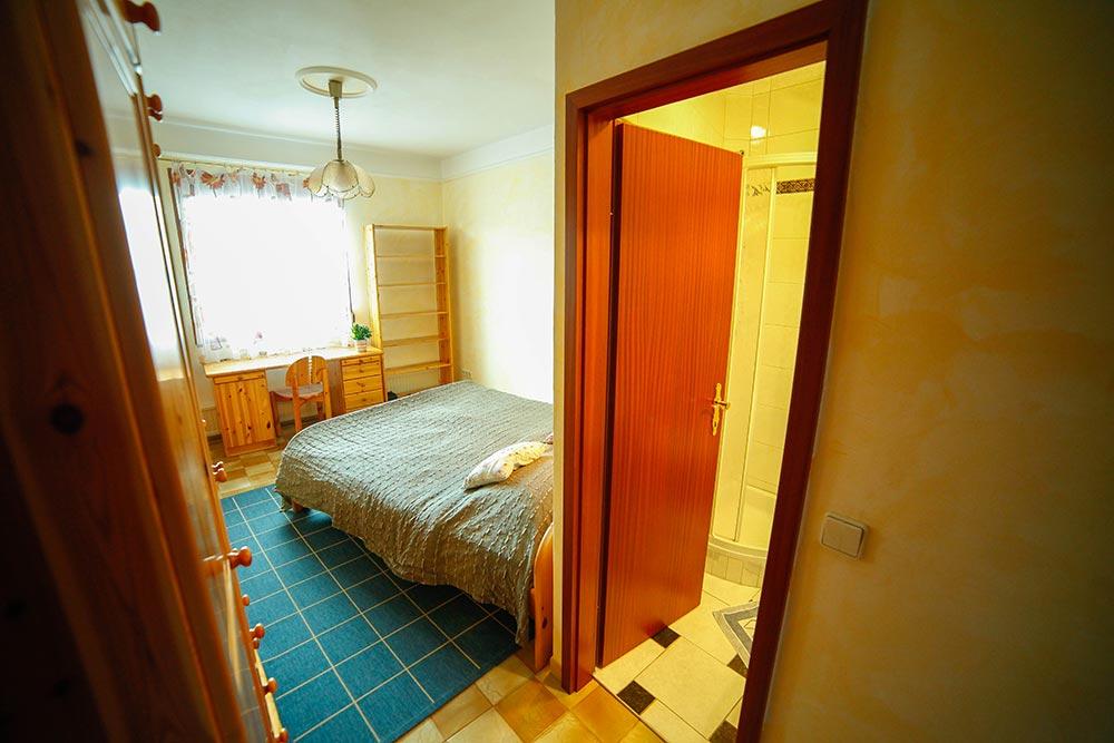 Zimmer 11 im Gästehaus Huss - Blick von der Eingangstür
