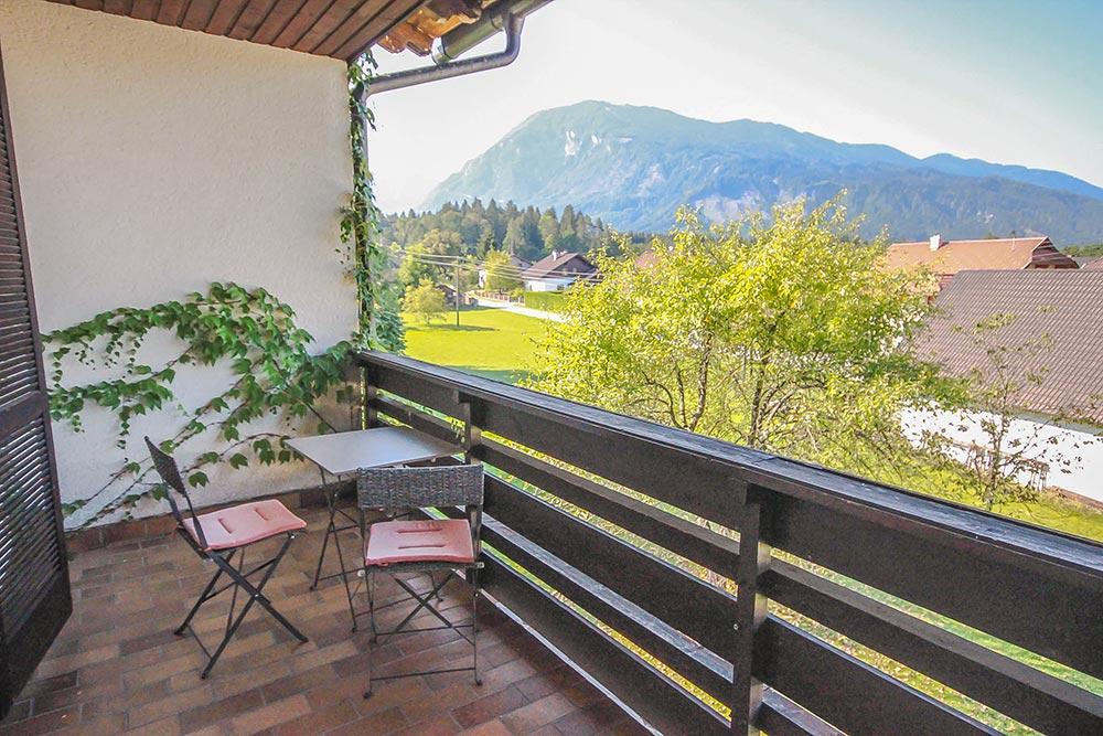 Das Zimmer 2 im Gästehaus Huss - Ansicht des Balkons