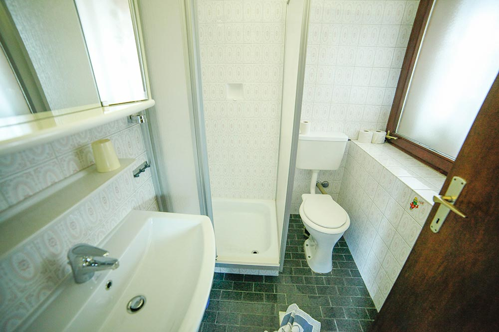 Zimmer 6 im Gästehaus Huss - Das Badezimmer