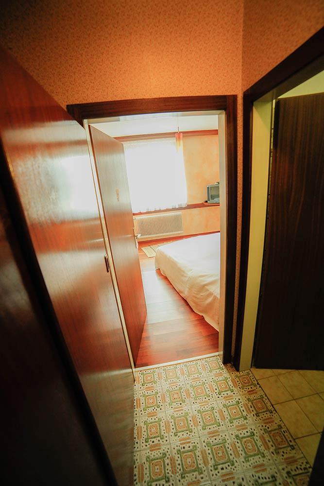 Gaestehaus Huss - Zimmer 8 - Vorraum